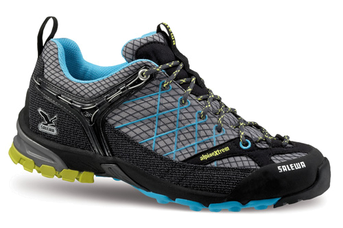 Треккинговые кроссовки Salewa Tech Approach WS FIRE TAIL black-torquois