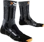 НоскиНоски<br>X-Socks TREKKING SUMMER – суперкомфортные треккинговые носки для походов и длительных путешествий в теплое время года.<br>Система вентиляционных каналов Air-Conditioning Channel обеспечивает циркуляцию воздуха, отводит влагу/пот.<br>Разные зоны плотности улучшают кровообращение и поступление питательных веществ к мышцам, снижая их усталость и время восстановления при нагрузках.<br><br>• Материал: 9% хлопок, 7% лён, 67% полиамид, 15% полипропилен, 2% эластан.<br>• Self-adjusting cuff: широкая эластичная полоска/резинка &amp;#40;область пояса и манжет&amp;#41; с оптимальным прилеганием к телу без сползания и лишней компрессии. <br>• Air-Conditioning Channel: система вентиляционных каналов, пронизывающих ткань носков. Они соприкасаются с кожей, отводя/перераспределяя влагу/пот и обеспечивают циркуляцию воздуха.<br>• X-Cross Bandage: специальная икс-образная вязка в виде бандажа расположена в области голеностопа поддерживает его &amp;#40;связки, суставы, мышцы&amp;#41;, не ограничивая свободу их движения.<br>• Stretching Rib: эластичные зоны с ребристой вязкой обеспечивают идеальное прилегание и свободную циркуляцию воздуха в точках наибольшего давления &amp;#40;от ботинок&amp;#41;.<br>• Anatomically shaped footbed: разделение на правый и левый носок.<br>• Toe Protector: усиленная ткань плотно обхватывает область пальцев и препятствует возникновению мозолей и натирания.<br>• ToeTip Protector: специальная ассиметричная вязка в области кончиков пальцев снижают давление в этой области.<br>• Lambertz-Nicholson Achilles Tendon Protector: защитная ударопоглащающая вставка с двух сторон ахиллова сухожилия. <br>• AirFlow AnklePads: вставки в форме полумесяца в области голеностопного сустава защищают от давления, потертостей и ссадин.<br>• Heel Protector: усиленная ткань плотно обхватывает область пятки и препятствует возникновению мозолей и натирания.<br>• Логотип: X-Socks.