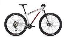 ВелосипедКолеса 29 (найнеры)<br>ROCKY MOUNTAIN Vertex 950 - это более продвинутая комплектация спортивного алюминиевого хардтэйла Vertex 930. &amp;nbsp;От младшей модели её отличает: более лёгкая амортизационная вилка, выше уровень трансмиссии (передний переключатель и манетки), и главное - лёгкая и жесткая система шатунов от Race Face.&amp;nbsp;<br> <br> Особенности:<br> <br> - система шатунов Race Face Aeffect SL Cinch<br> - амортизационная вилка Manitou<br> - новейшая трансмиссия Shimano XT 8000<br> - покрышки Maxxis Ikon с возможностью бескамерной установки<br> &amp;nbsp;<br> Технические характеристики:<br> <br> Рама: Аллюминий 6061 SL Гидроформинг. Каретка Press Fit. Конусный рулевой стакан. Внутренняя проводка тросов.&amp;nbsp;<br> Вилка: Manitou Marvel Pro. Ход 100mm. Ось 15мм.<br> Диаметр колес: 29&amp;nbsp;<br> Кол-во скоростей: 22<br> Переключатель задний: Shimano Deore XT RD8000<br> Переключатель передний: Shimano Deore XT RD8000<br> Шифтеры: Shimano XT<br> Тип тормозов: дисковые гидравлические<br> Тормоза: Shimano SLX<br> Система: Race Face Aeffect SL Cinch. Звёзды 38/28T<br> Кассета: Shimano XT-8000 11-40T<br> Покрышки: Maxxis Ikon Maxx Speed Tubeless Ready 29 x 2.2 Кевлар<br> Вес:&amp;nbsp;13.8 кг