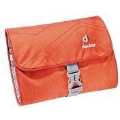 КосметичкаАксессуары<br>Deuter Wash bag I это компактная и лёгкая спортивная сумка для туалетных принадлежностей достаточно просторна, чтобы разместить в ней все аксессуары, необходимые для путешествия. В этом году косметичка получила новый дизайн и цвета.<br><br>Особенности:<br>- два сетчатых отделения<br>- один сетчатый карман на молнии<br>- органайзер с петлями из эластичной ленты<br>- пряжки-застёжка<br>- крючок для подвески<br><br>Материал: Microrip-Nylon/Ripstop 210.<br>Вес: 100 грамм. <br>Размеры: 6x19x3