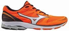 Беговые кроссовки для XCКроссовки для бега<br>Кроссовки-полумарафонки для бега, могут использоваться для скоростных тренировок, марафонов<br> подойдут для бегунов с нейтральной пронацией и со средним весом (до 75 кг) для бега по твердым покрытиям (асфальт или беговая дорожка).<br> <br> Технологии:<br> <br> - Dynamotion Fit. Анатомичное облегание при беге. Система DynaMotion Fit позволяет верхней части обуви (воротнику и пятке) взаимодействовать с движением стопы, что снимает нагрузку на голеностоп и обеспечивает сохранение всего диапазона движений стопы во время бега.<br> - Airmesh. Воздухопроницаемость и прохлада. Система воздушной сетки обеспечивает обуви высокую воздухопроницаемость в течение всего срока службы, что позволяет стопе дышать и охлаждаться при беге.<br> - SmoothRide. Система управления гибкостью кроссовка. Уникальная технология, которая снижает пики ускорения и замедления, уменьшает вибрации и увеличивает гибкость обуви, чтобы каждое движение ноги во время бега сопровождалось плавностью хода кроссовок.<br> - U4iC. Легкая пена межподошвы, которая обеспечивает отличную амортизацию и комфорт. Она на 30% легче, чем старая пена Ap+ и сохраняет ту же производительность.<br> - Х-10. Износостойкость и сцепление. X10 - это смесь резины с карбоном, которая увеличивает стойкость к истиранию подошвы. Она расположена в зонах, подвергающихся наибольшей нагрузке.<br>
