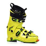Горнолыжные ботинкиБотинки горнoлыжные<br>Этот ботинок выделяется на фоне конкурентов за счет возможности точной индивидуальной подгонки на любую ногу. Больше нет нужды бороться с дискомфортом в своей лыжной обуви и можно сосредоточиться на катании.<br><br>Вес 1,550 грамм&amp;#40; размер 26б5&amp;#41; Transalp VACUUM TS Lite сделает даже серьезный подъем в гору легкой прогулкой. Кроме малого веса ботинок также обеспечивает исключительный контроль на спусках.<br><br>Ботинок Transalp VACUUM TS Lite оснащен оригинальными вставкам Dynafit, прошедшими жесткую сертификацию и строго соответствующими ультрасовременным технологиям туринговых креплений.<br><br>LACE LINER:<br>Лучшая чувствительность и фиксация пятки благодаря наличию шнурков на лайнере, что улучшает передачу энергии.<br><br>VACU-PLAST CUFF &amp; SHELL:<br>Идеальный бутфитинг при температуре 80 градусов. Лучшая энергопередача, контроль и отдача за счет более высокой эластичности пластика. Большая термостабильность и экономия веса.<br><br>VACU-PLAST SPOILER:<br>Спойлер выполнен из материала Vacu-Plast. Термоформируется при 80 градусах. Предназначен для более анатомичной посадки ботинка в зоне ахила и икроножной мышцы.<br><br>HIKE LOCK MODE:<br>Режим HIKE: удобство ходьбы. Режим LOCK: голенище жестко заблокировано.<br><br>ORIGINAL V-POSITION:<br>Естественное V-образное положение стоп внутри ботинка для лучшего контроля, меньшего напряжения связок и естественности движений.<br><br>ON CENTER POSITION:<br>Центральное положение лыжника над осью лыжи для более простой и быстрой перекантовки.<br><br>MAXIMUM POWER TRANSFER:<br>Оптимальная энергопередача позволяет полностью преобразовывать усилия лыжника в ускорение с меньшими потерями энергии.<br><br>ADJUSTABLE SPOILER:<br>Индивидуально настраиваемый спойлера липучке. Верхнее положение для лучшей поддержки, нижнее идеально для лыжников с широкими икрами. Уберите спойлер для уменьшения наклона голенища вперед.<br><br>SOMATEC:<br>Естественное V-образное положение стоп вну