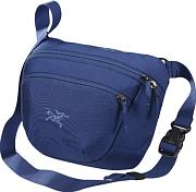 Сумка пояснаяСумки поясные<br>Небольшая сумка, которую можно носить как на поясе, так и на плече<br> <br> - подходит для коротких поездок или в качестве дополнительной сумки<br> - водоотталкивающая оттделка, дышащая задняя панель<br> - внутренний потайной карман<br> - основное отделение<br> - передний карман с карабином для ключей<br> - карман для смартфона на задней панели<br> - объем 2,5 л<br> - вес 170 гр