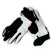 Перчатки горныеПерчатки с маркировкой DH — это прочные велосипедные перчатки с защитой кулака из амортизирующего материала VPD. VPD — гибкая и эластичная полимерная масса — приспосабливается к форме вашего тела; при ударе материал твердеет и сильно смягчает воздействие удара. Ладонь укреплена с помощью силиконовой прокладки, благодаря которой руке приятней держаться за руль. Манжеты снабжены липучкой Velcro, чтобы можно было отрегулировать перчатку по руке.<br>Защита кулака из амортизирующего материала VPD 2.0<br>Силиконовые вставки на кончиках пальцев для обеспечения удобства захвата и улучшения контроля рычагов<br>Силиконовый гель для защиты ладоней<br>Регулировка с помощью липучки Velcro на манжете<br>Прочная синтетическая замша на внутренней стороне ладони<br>Очень прочная ткань на тыльной стороне руки<br>Совместная защита пальцев<br>Совместимы с сенсорным экраном<br><br>Пол: Унисекс<br>Возраст: Взрослый