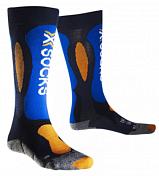 НоскиТермобелье<br>Детские горнолыжные носки X-Socks Ski Carving Silver&amp;nbsp;&amp;nbsp;Junior плотно облегают обувь, ваши ноги будут находится в максимально комфортных условиях.<br><br>Бактериостатическая ткань с серебряными волокнами Silver NODOR® особо эффективно препятствует размножению бактерий и распространению неприятного запаха пота. Обладает хорошей воздухопроницаемостью, износостойкая, эластичная и мягкая на ощупь.<br><br>В носках применяется натуральная шерсть овец-мериносов Merino Wool - обладающая высокими теплоизоляционными свойствами, чрезвычайно мягкая и приятная на ощупь.<br><br>Многоцелевая ткань Robur™ состоит из полых волокон с герметичной воздушной камерой. Ткань дышащая и эластичная. Защищает от ударных нагрузок и давления. Применяется в зонах, особо подверженных образованию потёртостей и ссадин - ахиллово сухожилие, подошва, голеностопный сустав, голень. Ткань Robur™, сотканная из трёхжильной плетёной нити, чрезвычайно прочная и износостойкая.<br><br>Mythlan™ - ультралегкий, дышащий материал с микроволокнистой структурой. Легчайший среди высокотехнологичных материалов. Ткань Mythlan™ не накапливает влагу и способствует эффективному процессу её испарения с внешней поверхности. Имеет нейтральное значение pH и гипоаллергенна.<br><br>Пол: Унисекс<br>Возраст: Детский