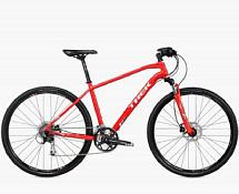 ВелосипедГибриды (город/парк)<br>Городской кроссовый велосипед Trek 8.4 DS 2016. Trek 8.4 DS 2016 очень удобен для перемещений по городским улицам и велопрогулок в парках.<br> <br> Рама и амортизаторы<br> <br> Рама: Alpha Gold Aluminum<br> <br> Цепная передача<br> <br> Манетки: Shimano Alivio, 9 speed<br> Передний переключатель: Shimano Alivio<br> Задний переключатель: Shimano Deore<br> Шатуны: Shimano Acera M371, 48/36/26 w/chainguard<br> Кассета: SRAM PG-950 11-32, 9 speed<br> Педали: Nylon body w/alloy cage<br> <br> Колеса<br> <br> Обода: Shimano RM35 center lock alloy hubs w/Bontrager AT-650 32-hole double-walled rims<br> Покрышка: Bontrager LT3, 700x38c<br> <br> Компоненты<br> <br> Передний тормоз: Shimano M395 hydraulic disc brakes<br> Задний тормоз: Shimano M395 hydraulic disc brakes<br> Грипсы: Bontrager Satellite Elite, lock-on, ergonomic<br> Руль: Bontrager Low Riser, 31.8mm, 15mm rise<br> Вынос: Bontrager SSR, 31.8mm, 10 degree<br> Рулевая колонка: Semi-integrated, semi-cartridge bearings, sealed<br> Седло: Bontrager Evoke 1<br> Подседельный штырь: Bontrager SSR,12mm offset<br><br>Пол: Мужской<br>Возраст: Взрослый