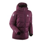Куртка беговаяОдежда для активного отдыха<br>Теплая и легкая куртка для холодных зимних дней. Podium на подкладке из утиного пуха, подходит для повседневной носки, соревнований или до и после тренировок. Эластичные манжеты, регулируемый капюшон и два кармана на молнии.