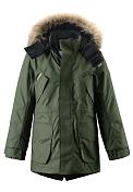 Куртка горнолыжнаяДетская куртка-парка<br> <br> -швы проклеены<br> -ветро- и водонепроницаема<br> -подкладка из полиэстера<br> -съемный капюшон<br> -манжеты на липучке<br> -четыре внешних кармана, потайной карман на молнии<br> -светоотражающие элементы<br> -100% ПЭ, ПУ-покрытие<br><br>Возраст: Юниорский