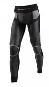 БрюкиТермобелье<br>Мужские брюки X-Bionic Cross Country Man Windskin Long идеально подойдут для любителей зимнего спорта и долгих прогулок, она надежно защитит Вас при занятиях спортом в холодную и ветреную погоду. Многочисленные технологии обеспечивают высокую функциональность, целиком направленную на повышение вашей выносливости. Ткань непревзойденной эластичности мягко облегает кожу, легко отвечает на каждое движение, и вы чувствуете полную свободу действий. При этом высокий уровень термоизоляции изделия не даст вам замерзнуть при низких температурах.<br><br>Innerlap Air Conditioning Zone из особенностей работы мышечной системы, мышцы внутренней стороны бедра менее восприимчивы к холоду. Именно здесь расположена Innerlap Air Conditioning Zone. Материал имеет структуру сетки с минимальным уровнем изоляции. Поэтому охлаждение происходит первоначально через обмен воздуха. Процесс охлаждения усиливается, как только выделенный пот начинает испаряться, в то время как температура в области внутренней части бедра постоянно остается оптимальной.<br><br>ISO-Pad. Зоны с наибольшей степенью термоизоляции, расположенные в области самых уязвимых частей тела. Целевое утепление препятствует охлаждению всего тела, но при этом не утяжеляет брюки.<br><br>3D-BionicSphere® System расположен в поясничной области, которая быстрее всего начинает выделять пот. Представляет из себя высокотехнологичный метод пошива, обеспечивающий оптимальный климат контроль и оперативный отвод влаги по тканевым структурам.
