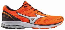 МарафонкиКроссовки для бега<br>Кроссовки-полумарафонки для бега, могут использоваться для скоростных тренировок, марафонов<br> подойдут для бегунов с нейтральной пронацией и со средним весом (до 75 кг) для бега по твердым покрытиям (асфальт или беговая дорожка).<br> <br> Технологии:<br> <br> - Dynamotion Fit. Анатомичное облегание при беге. Система DynaMotion Fit позволяет верхней части обуви (воротнику и пятке) взаимодействовать с движением стопы, что снимает нагрузку на голеностоп и обеспечивает сохранение всего диапазона движений стопы во время бега.<br> - Airmesh. Воздухопроницаемость и прохлада. Система воздушной сетки обеспечивает обуви высокую воздухопроницаемость в течение всего срока службы, что позволяет стопе дышать и охлаждаться при беге.<br> - SmoothRide. Система управления гибкостью кроссовка. Уникальная технология, которая снижает пики ускорения и замедления, уменьшает вибрации и увеличивает гибкость обуви, чтобы каждое движение ноги во время бега сопровождалось плавностью хода кроссовок.<br> - U4iC. Легкая пена межподошвы, которая обеспечивает отличную амортизацию и комфорт. Она на 30% легче, чем старая пена Ap+ и сохраняет ту же производительность.<br> - Х-10. Износостойкость и сцепление. X10 - это смесь резины с карбоном, которая увеличивает стойкость к истиранию подошвы. Она расположена в зонах, подвергающихся наибольшей нагрузке.