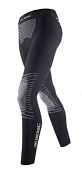 БрюкиТермобелье<br>Женские Термобрюки X-Bionic® Energizer™ MK2 предназначены для поддержания оптимального температурного баланса тела на уровне 37°С. Сохраняют энергию для выполнения полезной работы и повышают функциональные возможности спортсмена.<br><br>Эластичная ткань брюк не сковывает движений и в сочетании с эргономичным кроем предоставляет максимальный комфорт во время занятий спортом в любой ситуации. Применяемый при изготовлении ткани инновационный материал Skin Nodor® препятствует распространению неприятного запаха пота, благодаря наличию в нитях ткани антибактериального полимерного вещества. Антибактериальные свойства ткани не ослабевают со временем и не вызывает аллергических реакций организма.