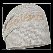 ШапкаГоловные уборы<br>Эластичная дышащая шапка, выполненная изнаночной вязкой в традиционном стиле Sarner.<br>состав: 80% шерсть, 20% полиакрил<br>вес: 75 гр.<br>расцветка: серый меланж<br><br>Пол: Унисекс<br>Возраст: Взрослый<br>Вид: шапка