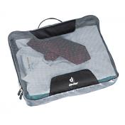 Упаковочный мешокАксессуары<br>Эта серия сумок на молнии четырёх разных размеров, четырёх оттенков серого цвета, обеспечит порядок в хранении одежды и дорожных принадлежностей. Сложенные рубашки сохраняют свою форму, носки легко найти в вашем багаже.<br><br>Особенности: <br>- молния с 3 сторон; <br>- сетчатый верх обеспечивает хорошую вентиляцию; <br>- нейлоновое водоотталкивающее непачкающееся дно; <br>- ручка для переноски.<br><br>Вес, гр: 95<br>Размеры, см: 29 x 36 x 6 &amp;#40;H x W x D&amp;#41;<br>Объем, л: 9