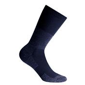 НоскиНоски<br>Короткие треккинговые носки прекрасно подойдут для холодной погоды. Входящая в состав шерсть согревает ногу, а синтетика способствует быстрому отведению влаги. Усиления в области пальцев и пятки защищают стопу от ударов, потертостей и мозолей.<br>Состав: 41% шерсть, 41% акрил, 18% нейлон