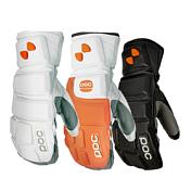 ВарежкиПерчатки, варежки<br>Черные лыжные варежки с защитными накладками, подойдут для самых холодных дней. Теплые и удобные гоночные варежки&amp;nbsp;&amp;nbsp;с высокой степенью защиты. Внутри отдельные карманы для пальцев.&amp;nbsp;&amp;nbsp;Для предотвращения травм при ударах о вешки&amp;nbsp;&amp;nbsp;используется инновационный амортизирующий материал. Усиленные швы укрепляют перчатку и добавляют ей чувствительность и точность передачи движений.<br><br>Пол: Унисекс<br>Возраст: Взрослый