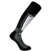 НоскиНоски<br>Горнолыжные носки, благодаря большому содержанию полипропилена, великолепно отводят влагу с поверхности кожи, даже при очень сильном потоотделении. <br>Зоны высокой плотности защищают стопы и лодыжки от натирания и мозолей, а также от переохлаждения.<br>Состав: 59% полипропилен, 37% нейлон, 4% эластан