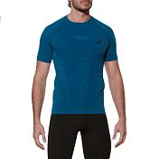 Футболка беговаяОдежда для бега и фитнеса<br>Беговая футболка Asics с коротким рукавом. Прохлада и комфорт. Рукава-реглан и лёгкость этой футболки обеспечат вам свободу движений и позволят улучшить спортивные результаты.<br><br>Быстро удаляет пот с вашей кожи благодаря влагоотводящим свойствам ткани<br>делает ваши пробежки более приятными, предотвращая натирание кожи благодаря особому дизайну швов.<br>Обеспечивает превосходную терморегуляцию и воздухообмен во время пробежки. Благодаря технологии Motion Cool ваша кожа будет дышать,а сетчатые вставки на спине обеспечат хорошую воздухопроницаемость.<br>Обеспечивает вашу безопасность в тёмное время суток и визуально выделяет вас на улице благодаря светоотражающим вставкам в видетигровых полос и логотипу ASICS.