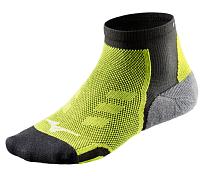 НоскиНоски<br>Носки Mizuno DryLite Race Mid отлично подойдут для занятий спортом или для повседневной носки.&amp;nbsp;<br> <br> -плотно сидят и не натирают<br> - выполнены по специальной технологии DryLite, благодаря которой влага неизбежно выделяется наружу при интенсивных движениях ног, и сохраняет ноги сухими.&amp;nbsp;<br> -Пятка и стопа носка выполнены из специально подобранных материалов, которые обеспечивают амортизацию, а также защищают заднюю часть ноги от натирания и не позволяют носку сползать при интенсивных движениях.<br> -Состав: 90% — полиэстер, 8% — нейлон, 2% — полиуритан.<br><br>Пол: Унисекс<br>Возраст: Взрослый