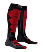 НоскиНоски<br>Горнолыжные носки с компрессионным эффектом X-Socks® Ski Control плотно облегают обувь, ваши ноги будут находится в максимально комфортных условиях.<br><br>В носках применяется натуральная шерсть, обладающая высокими теплоизоляционными свойствами, чрезвычайно мягкая и приятная на ощупь.<br><br>Бактериостатическая ткань Skin NODOR® препятствует размножению бактерий и распространению неприятного запаха пота. Обладает хорошей воздухопроницаемостью, износостойкая, эластичная и мягкая на ощупь.<br><br>Многоцелевая ткань Robur™ состоит из полых волокон с герметичной воздушной камерой. Ткань дышащая и эластичный. Защищает от ударных нагрузок и давления. Применяется в зонах, особо подверженных образованию потёртостей и ссадин - ахиллово сухожилие, подошва, голеностопный сустав, голень. Ткань Robur™, сотканная из трёхжильной плетёной нити, чрезвычайно прочная и износостойкая.