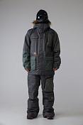 Куртка сноубордическаяОдежда сноубордическая<br>-Крой Loose Fit-Регулируемая вентиляция в подмышечной области-Снегозащитная юбка/Карман для ски-пасса на рукаве-Внутренний карман для маски, карман для плеера или телефона-Снегозащитные манжеты-Проклеенные в критических местах швы-Утяжка капюшонаПаропроницаемость мембраны: 20000 g/m2 / 24 hВодонепроницаемость мембраны: 15000 mmСостав: 100%полиэстер